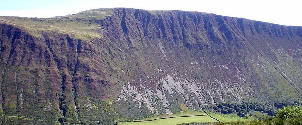 Graig Goch uwchlaw ac yn agos at Tal-y-Llyn (Photo: Catrin Williams)
