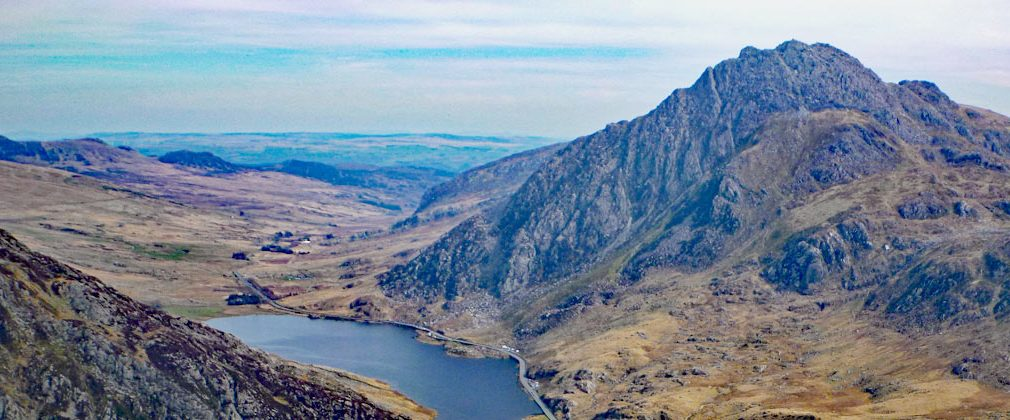 Tryfan from the east end of Y Llymllwyd, with the Nant Ffrancon pass below.